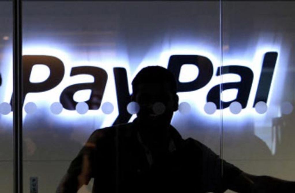Paypal geht gegen zwei ehemalige Mitarbeiter vor, die jetzt zentrale Rollen bei Googles Handy-Portemonnaie spielen. Foto: AP