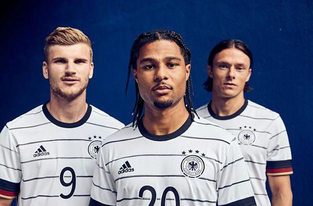 Das Trikot baut auf die Tradition der weißen Deutschland-Shirts auf. Foto: Adidas