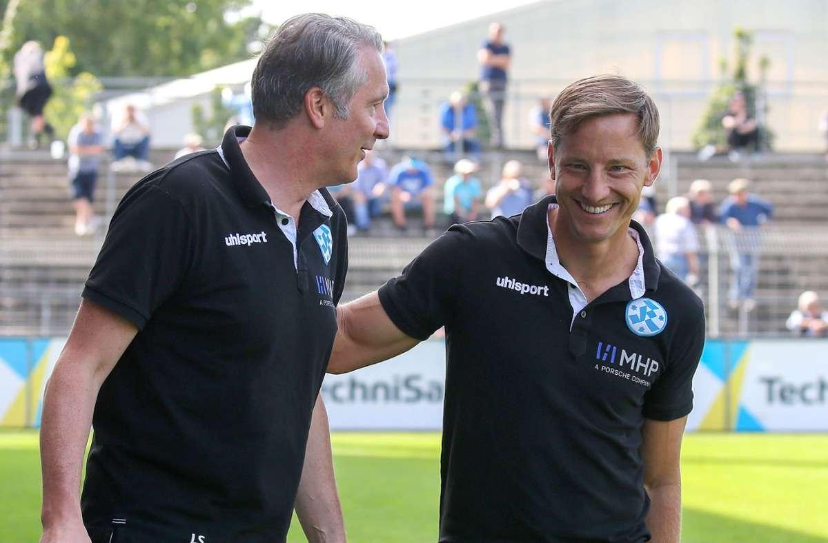 Wollen die Stuttgarter Kickers nach oben führen: Trainer Ramon Gehrmann (re.) und der Sportliche Leiter Lutz Siebrecht. Foto: Baumann