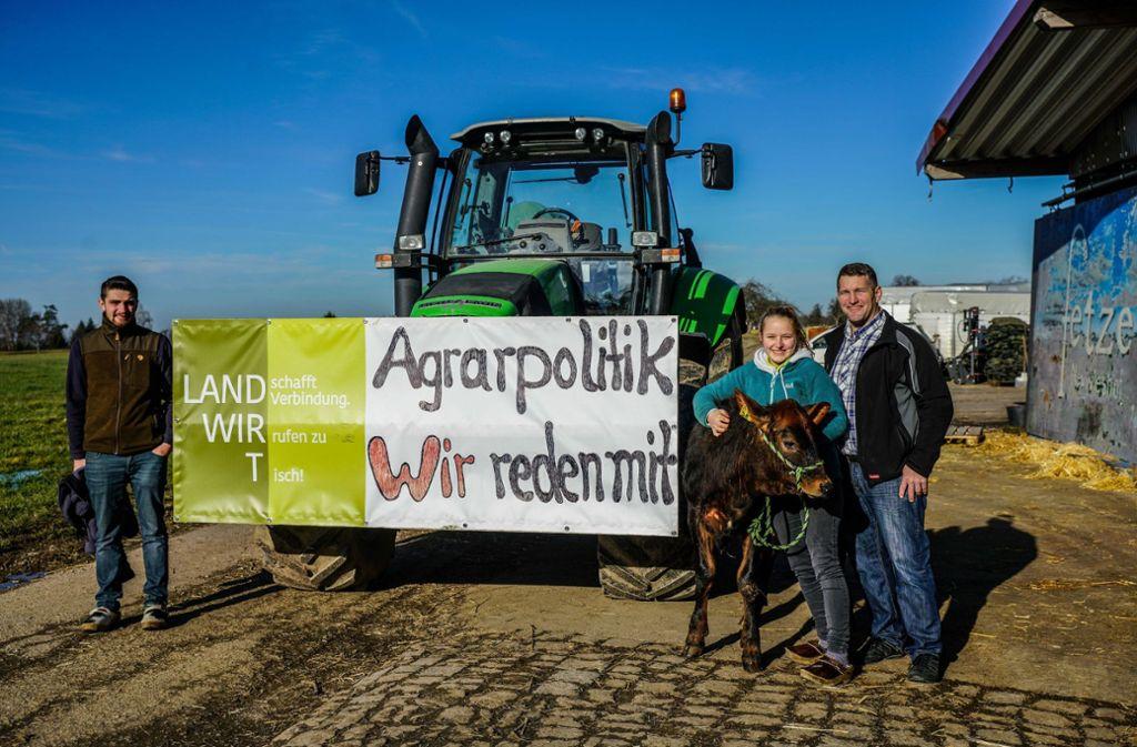 Baden-Württembergs Landwirte machen sich bereit für die Demo – unter ihnen auch Judith Fetzer (Zweite von rechts). Foto: SDMG/SDMG / Kohls