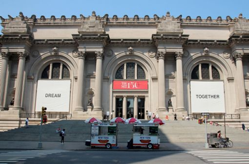 Yoko Ono eröffnet Metropolitan Museum