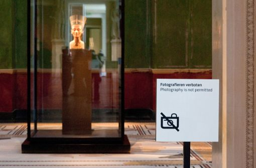 Fotografierverbot im Museum muss beachtet werden