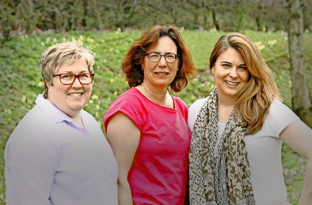 Marion Bischoff (links), Gabi Schmid und Ursula Hahnenberg lieben Bücher – und machen sie auch. Foto: Sandra Jungen