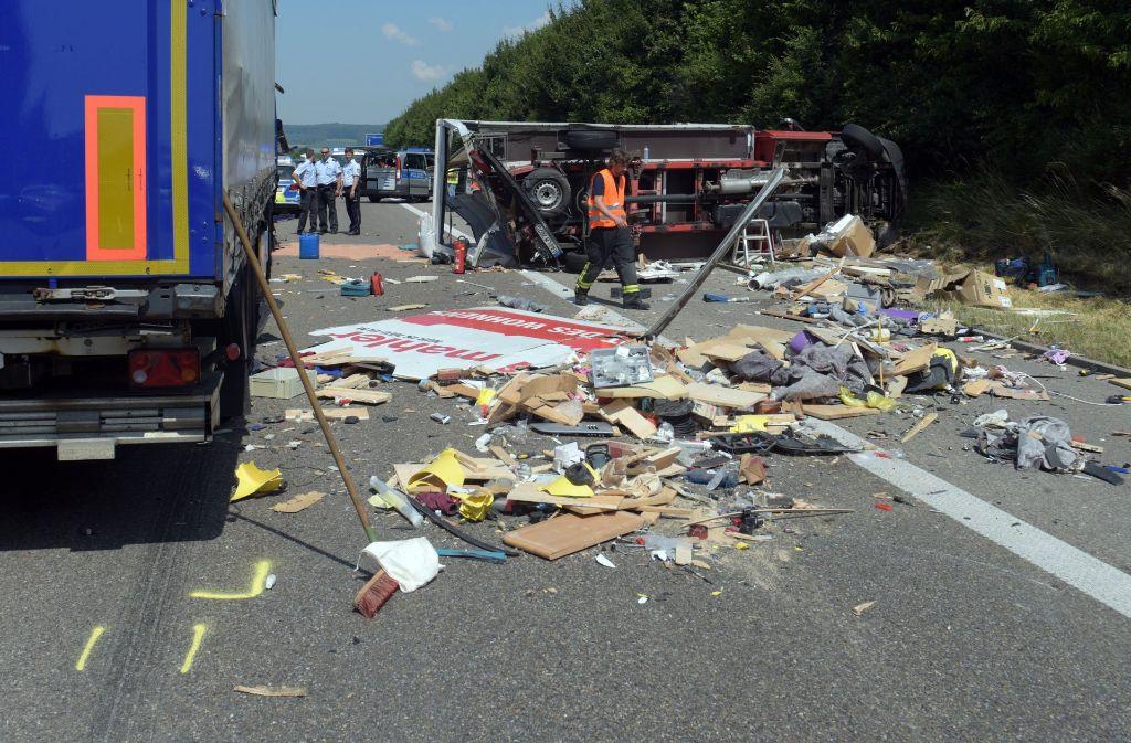 Schwerer LKW-Unfall auf der A7 bei Langenau Foto: dpa