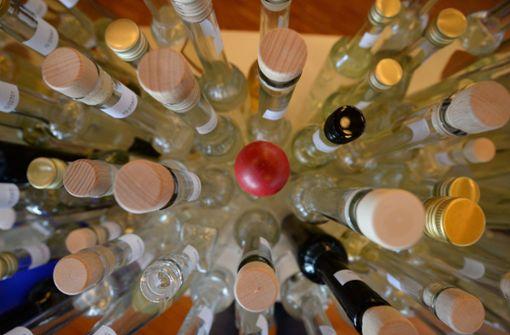 Betrunkener Mann will 153 Flaschen Schnaps schmuggeln