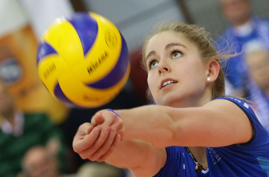 Den Ball und ihre Ziele fest im Blick: Pia Kästner Foto: Pressefoto Baumann