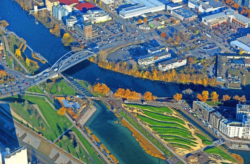 Wohnen am Wasser – Heilbronn wird die erste Bundesgartenschau sein, die nicht nur Pflanzen, sondern auch Architekturprojekte zur Schau stellt. Foto: Werner Kuhnle