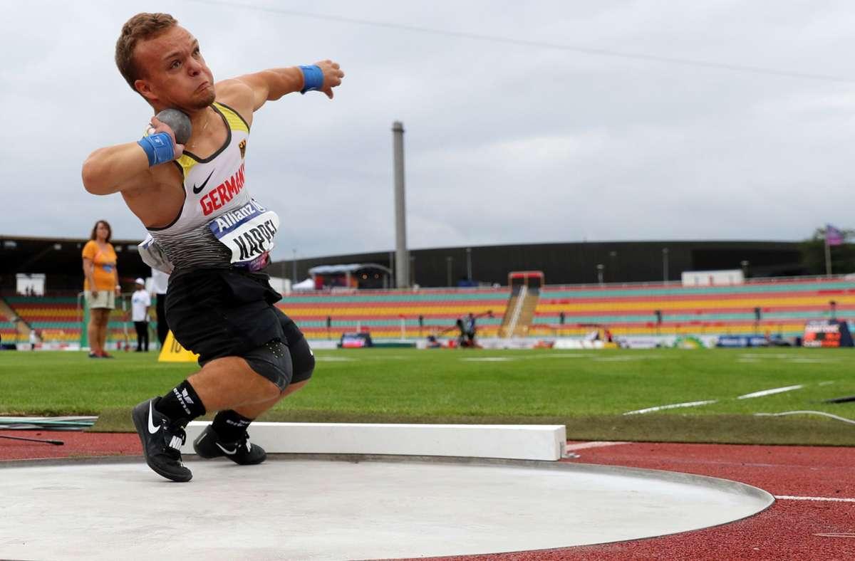 Niko Kappel halt einen neuen Weltrekord im Kugelstoßen aufgestellt. (Archivbild) Foto: dpa/Jens Büttner