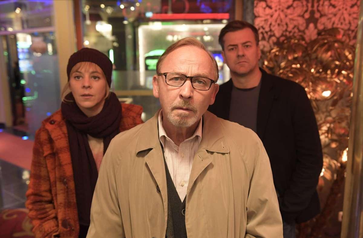 Wieder im Einsatz, v. li.:  Flierl (Bernadette Heerwagen), Schaller (Alexander Held) und Neuhauser (Marcus Mittermeier) Foto: ZDF/Jürgen Olczyk