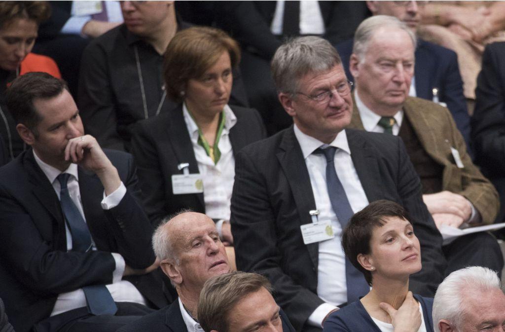 Versteinerte Gesichter: Während der Rede von Bundestagspräsident Norbert Lammert war vonseiten der AfD keine Begeisterung zu spüren. Foto: Getty Images Europe