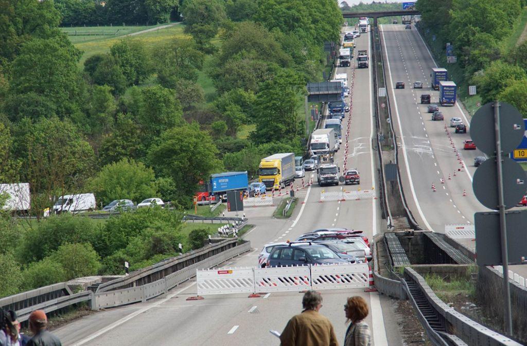 Der Verkehr auf der A8 wurde umgeleitet. Foto: SDMG