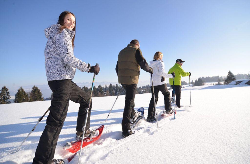 Aktiv im Schnee mit Schneeschuhen  Foto: Scheidegg-Tourismus