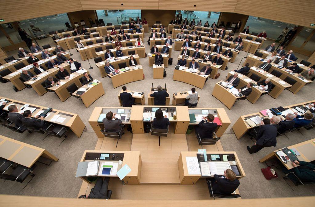 Bei der ersten Plenarsitzung nach der Sommerpause geht es auch um die Altersversorgung der Abgeordneten Foto: dpa/Sina Schuldt