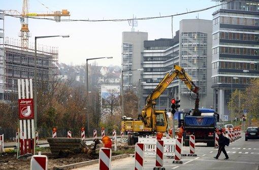 Die Vorbereitungen sind offensichtlich. Im März beginnt die eigentliche Arbeit an der neuen Trasse zwischen Haupt- und Nordbahnhof. Foto: Achim Zweygarth