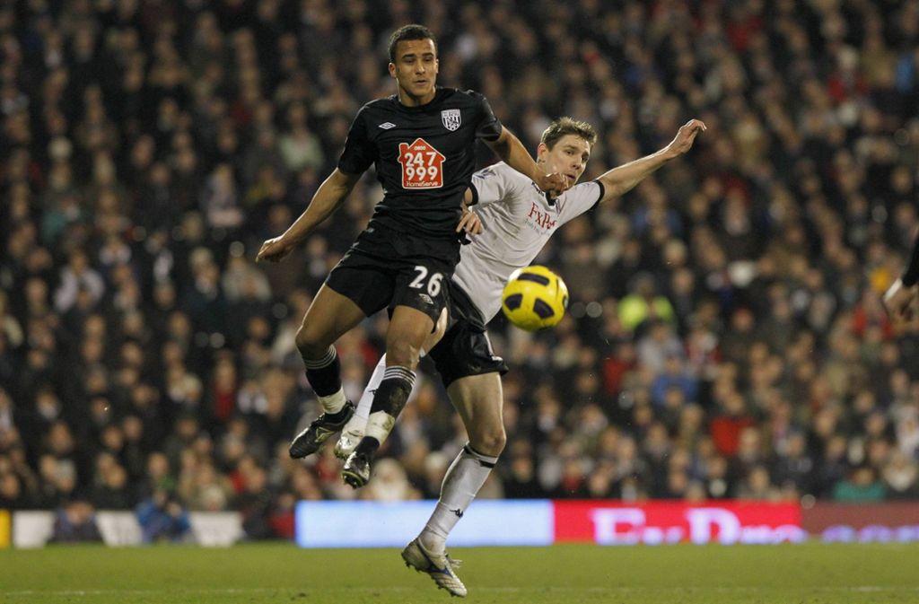 James Hurst (links) spielte unter anderem für West Bromwich Albion. Foto: imago sportfotodienst/imago sportfotodienst
