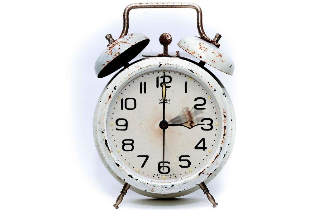 Auf einen Wecker können die meisten Berufstätigen nicht verzichten. Was aber, wenn er nicht mehr klingelt? Foto: Pixabay