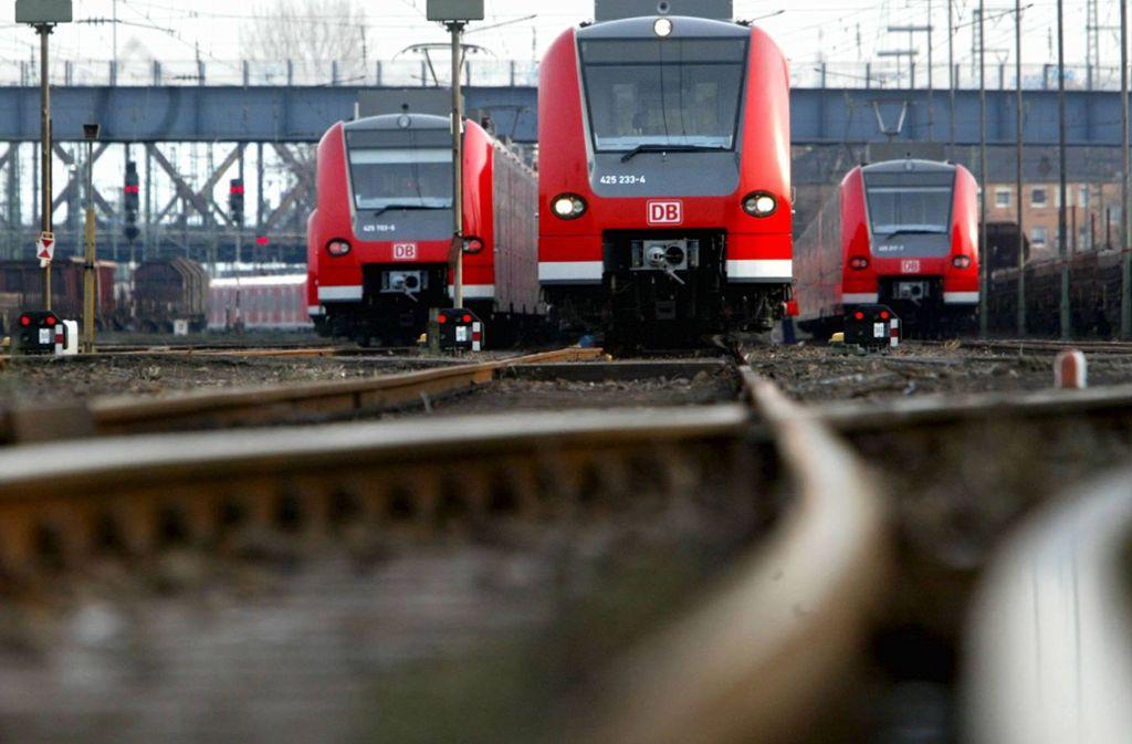 Die S-Bahn ist wieder aus dem Takt – am Foto: ddp/Alexander Heimann