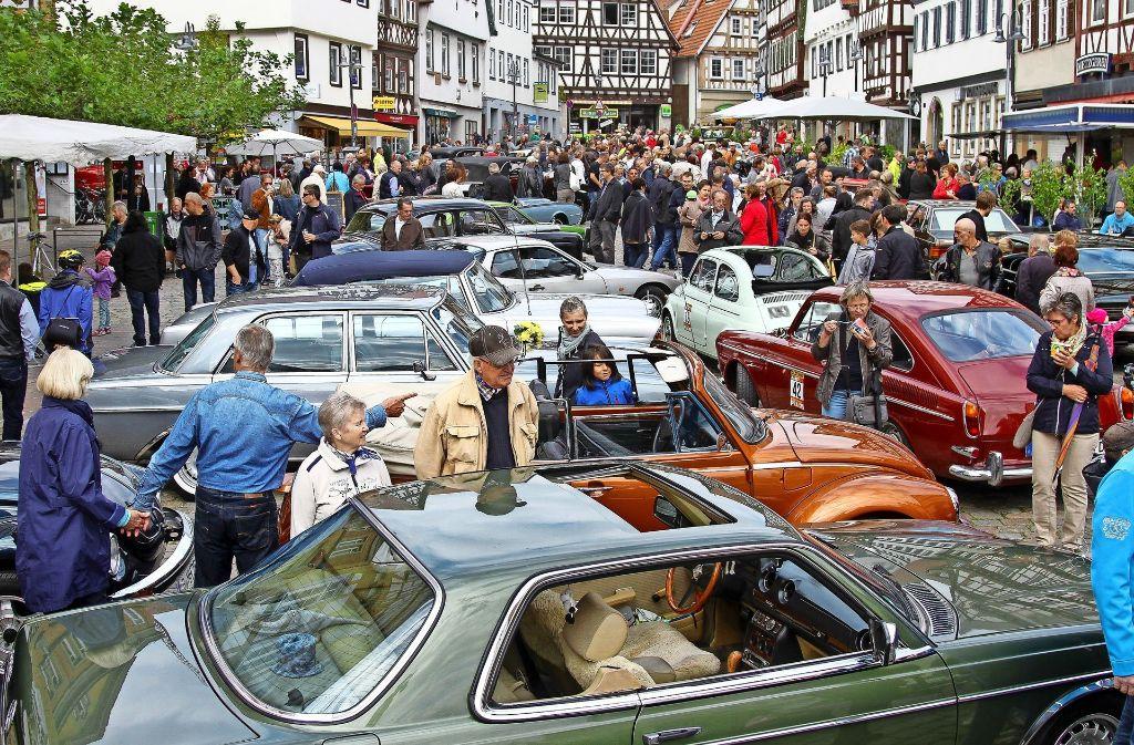 Bei der Oldtimerschau in der Altstadt ist immer viel los. Foto: factum/Archiv