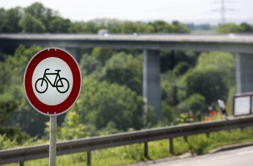 Weg  frei für Radfahrer