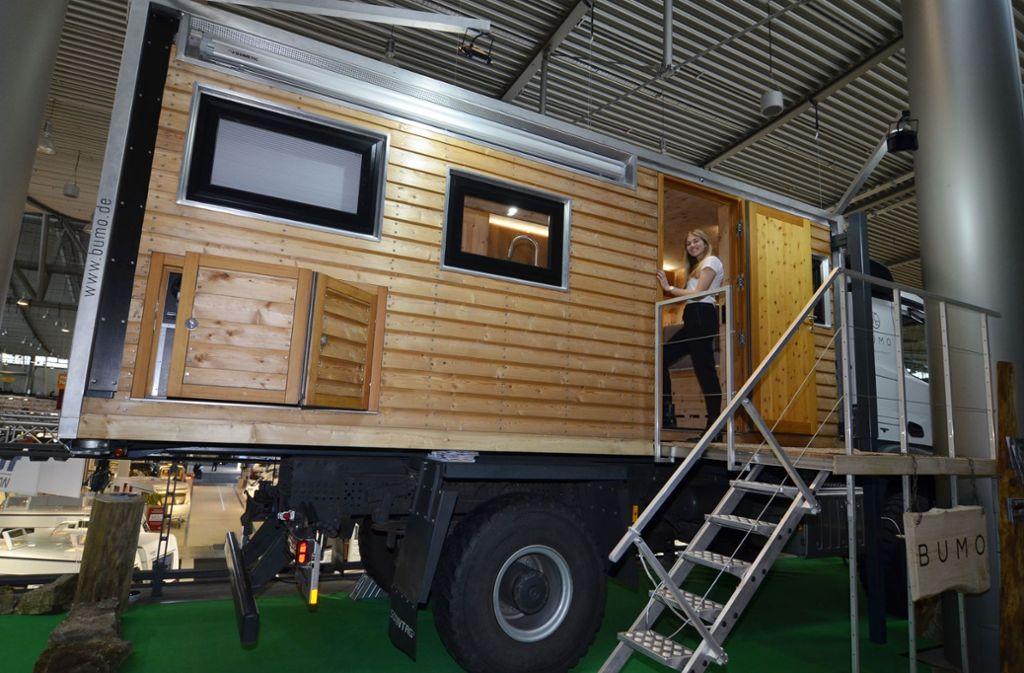 Das Wohnmobil ist komplett holzverkleidet – Bumo ist ein Familienbetrieb am Rande des Schwarzwaldes und setzt auf Nachhaltigkeit. Foto: Andreas Rosar Fotoagentur-Stuttgart
