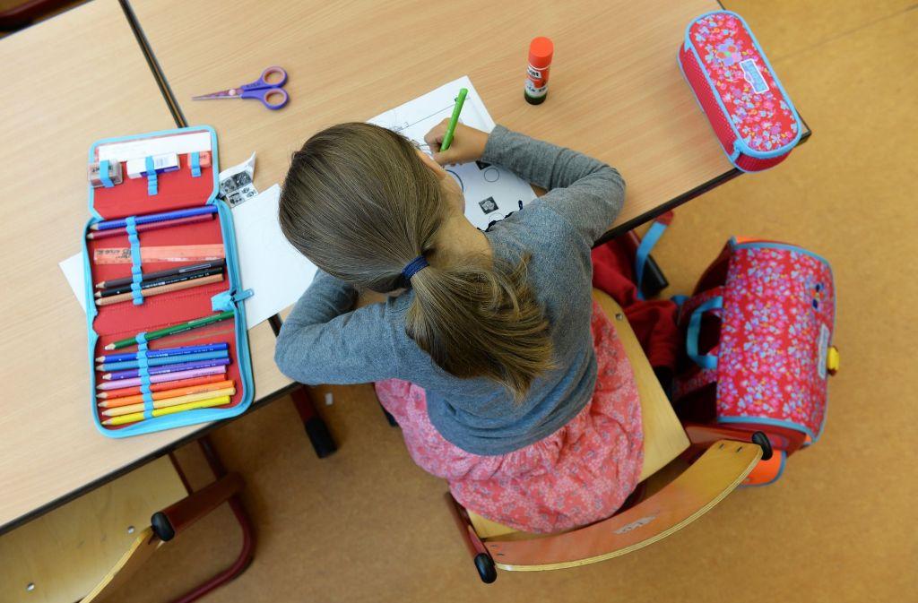 Büffeln für die Bildungskarriere: die Grundschüler sind gefordert. Foto: dpa