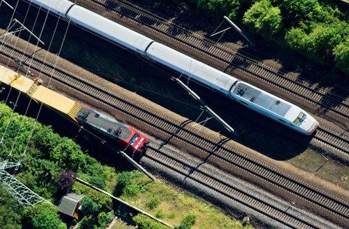Die Bahn investiert 440 Millionen Euro  in die Zugstrecken im Südwesten. (Symbolbild) Foto: dpa