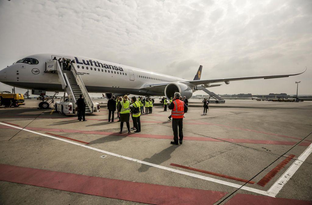 Am Flughafen Stuttgart gab es am Montag ein besonderes Highlight für die Besucher, ... Foto: Lichtgut/Leif Piechowski