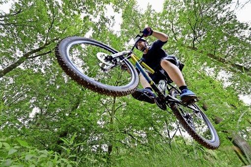 Radsportler, die finanziell keine großen Sprünge machen können, werden sich den Sonntag, 24.April, vormerken. Foto: dpa