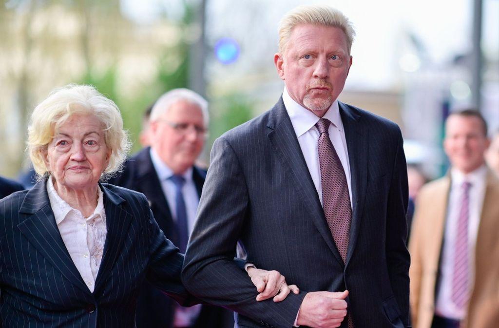Tennislegende Boris Becker kam mit seiner Mutter. Foto: dpa