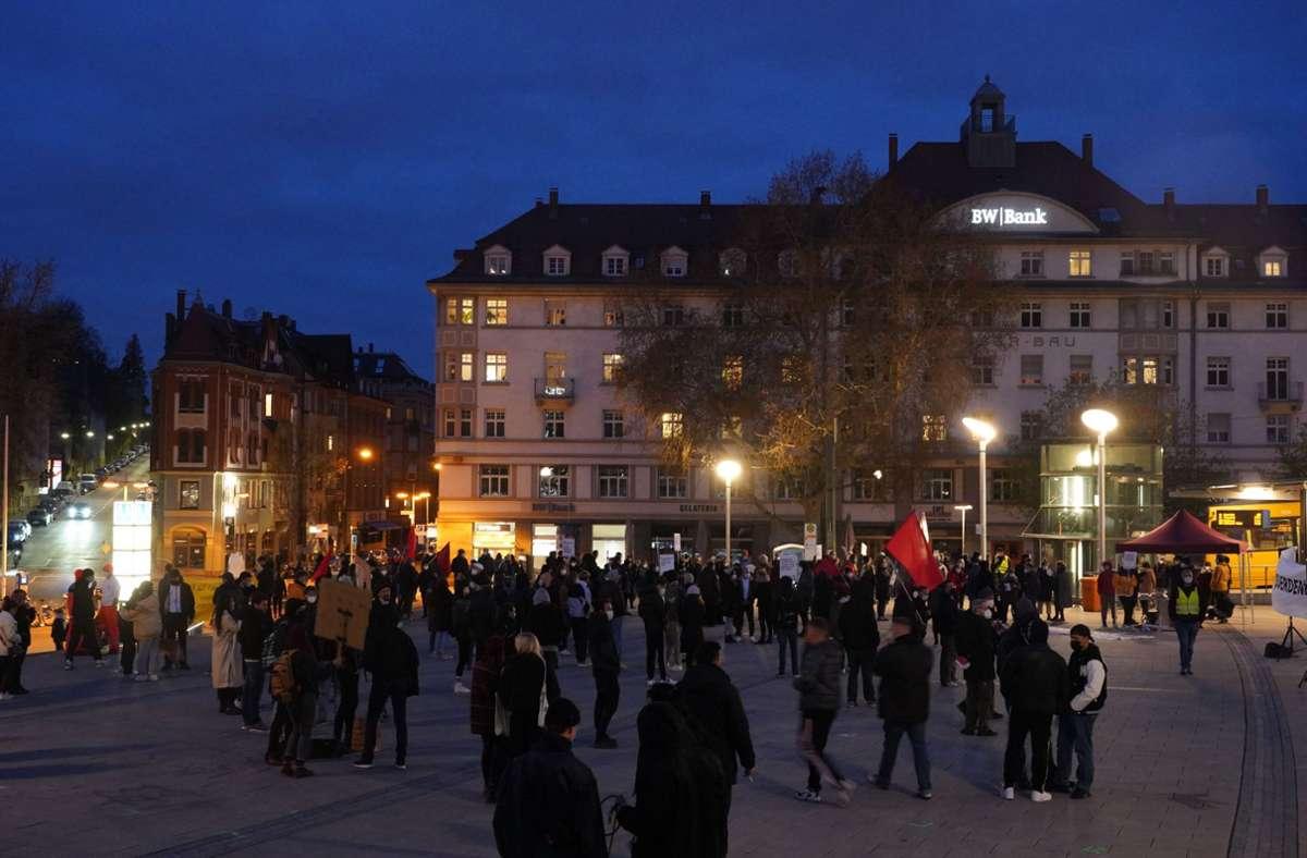 Das Bündnis Solidarität und Klassenkampf fordert einen harten Lockdown und die Aufhebung der nächtlichen Ausgangssperre. Foto: Fotoagentur-Stuttg/Andreas Rosar