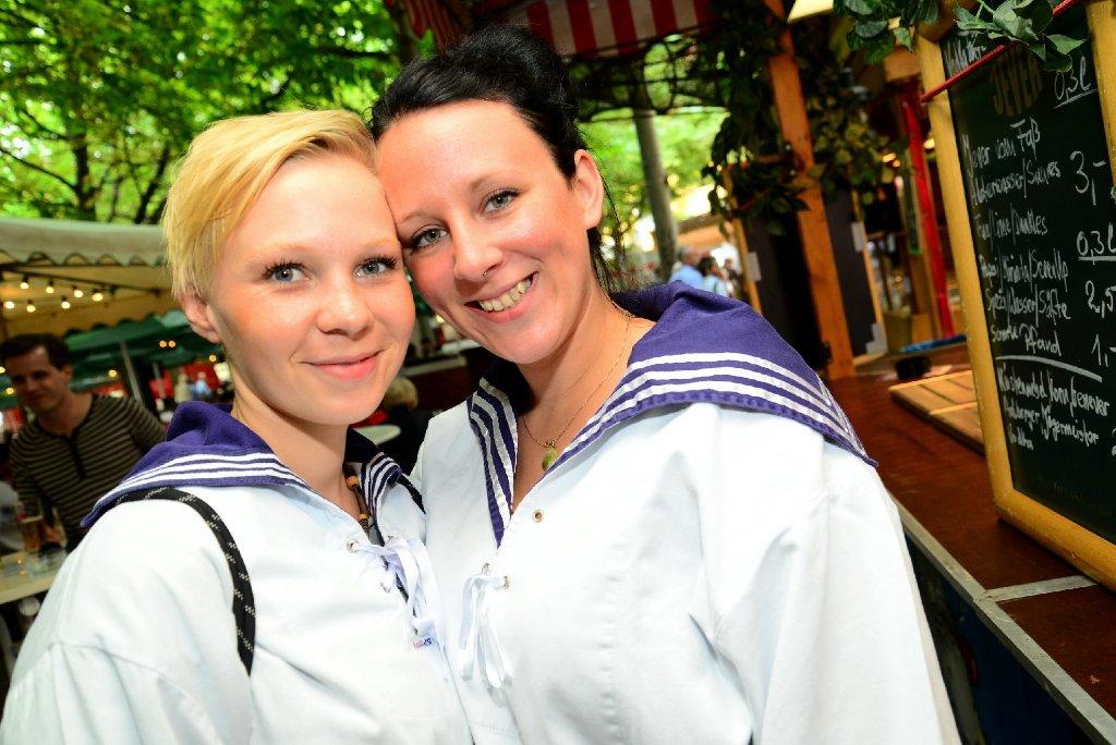 Es ist Fischmarkt-Saison auf dem Stuttgarter Karlsplatz: Bis zum 19. Juli gibt es hier Spezialitäten von der Waterkant. Foto: www.7aktuell.de |