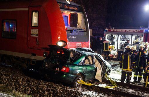 Autofahrer von S-Bahn mitgeschleift