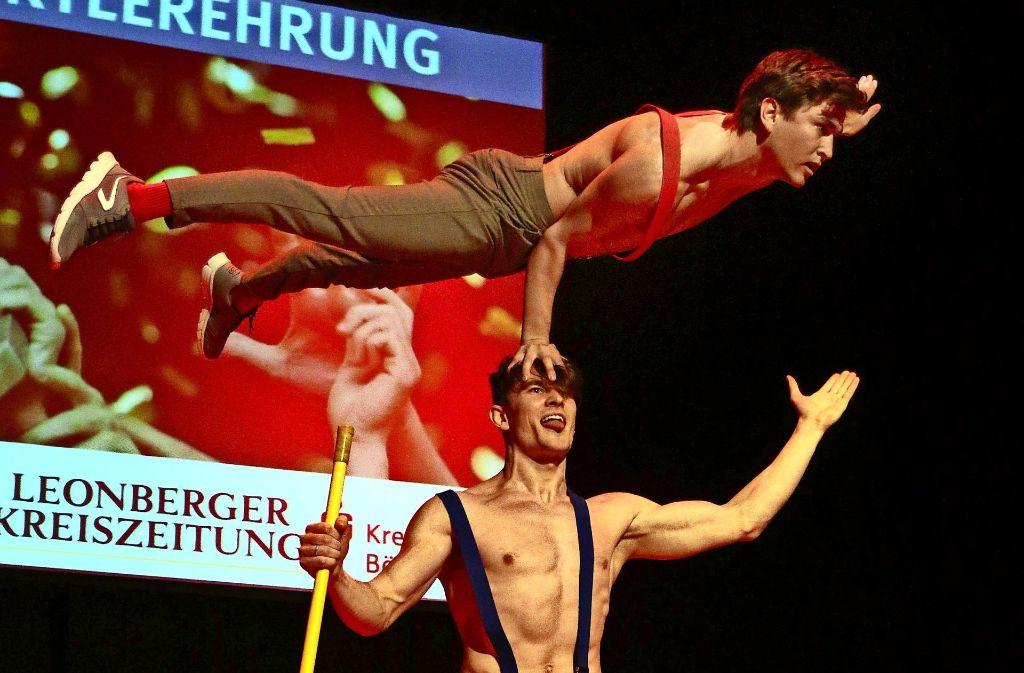 Das Duo Jim und John von den Cosmic Artists begeistert das Publikum. Foto: Andreas Gorr