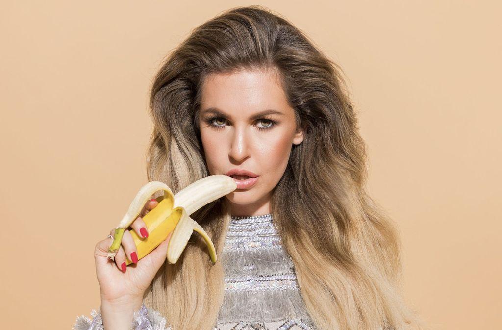 Ines Anioli macht Lust auf Bananen. Foto: Dominik Müller