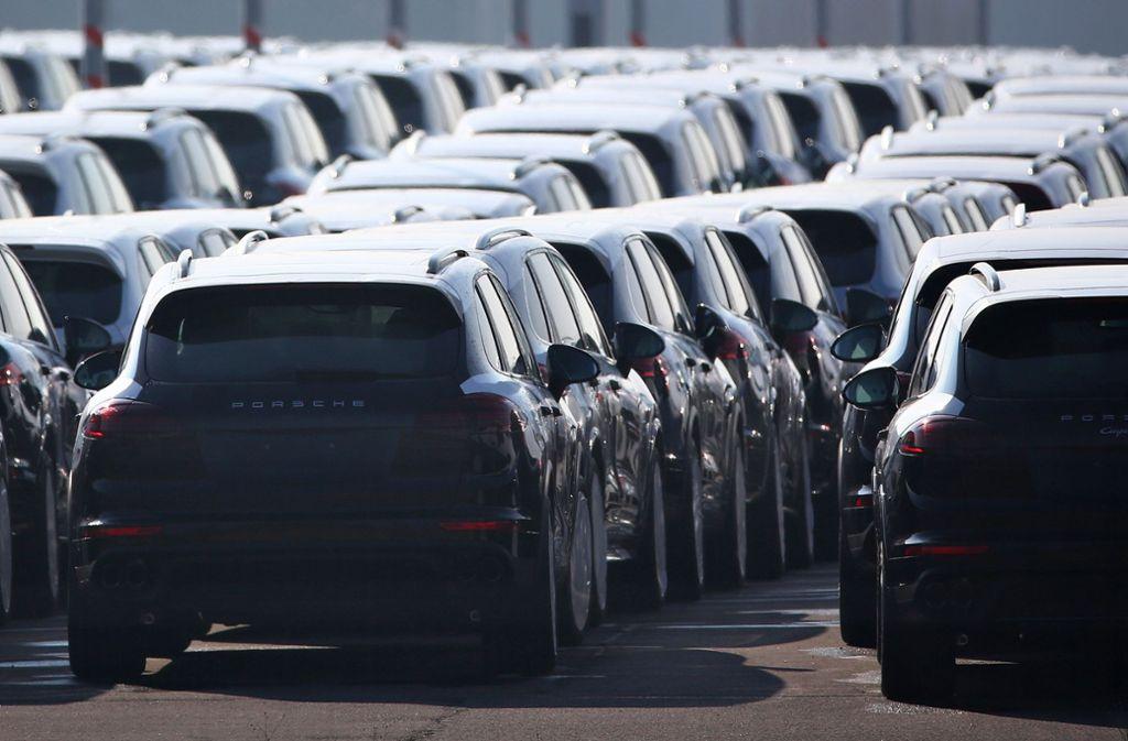 Am stärksten laufen bei Porsche weiterhin die SUVs. Der Geländewagen Cayenne war mit gut 18 400 Exemplaren im ersten Quartal das meistverkaufte Modell. Foto: dpa/Jan Woitas