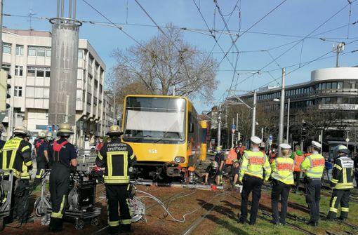 U1 springt beim Wilhelmsplatz aus dem Gleis