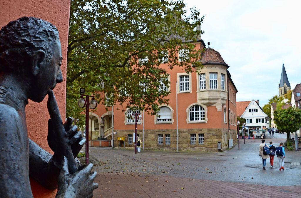 Der Platz vor dem Rathaus und der Vaihinger Markt sind nur zwei von vielen Orten, an denen die Vertreter der Stadtverwaltung, die Bezirksbeiräte und die Bürger sich Verschönerungen wünschen. Foto: Archiv Sandra Hintermayr