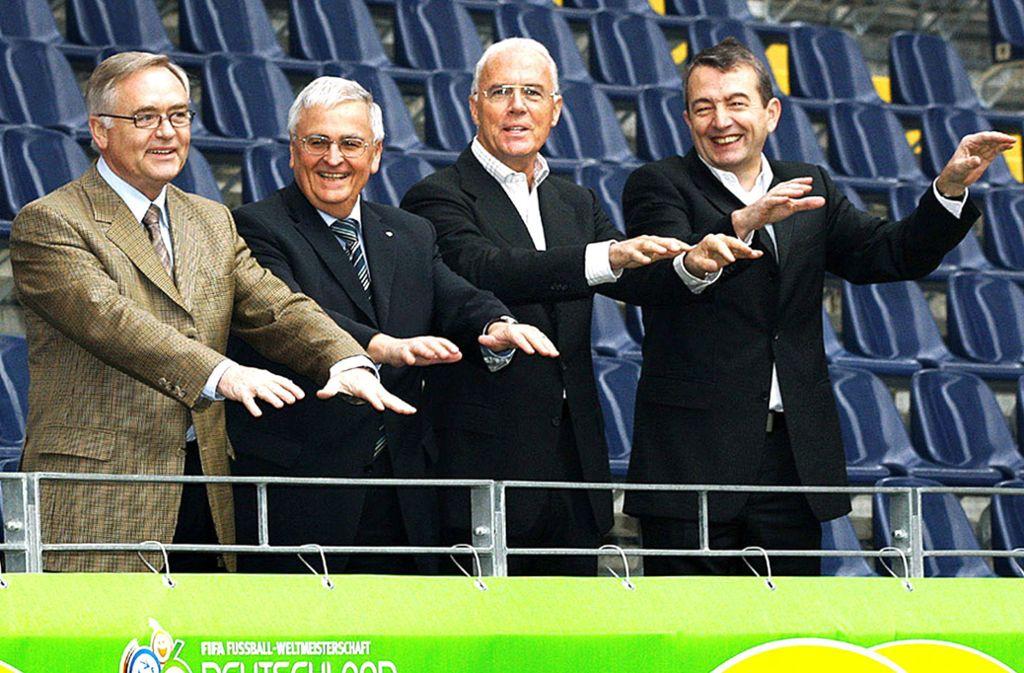 Ein Quartett unter Verdacht: Horst R. Schmidt, Theo Zwanziger, Franz Beckenbauer und Wolfgang Niersbach (von links)Foto: dpa/DB Kunz Foto: