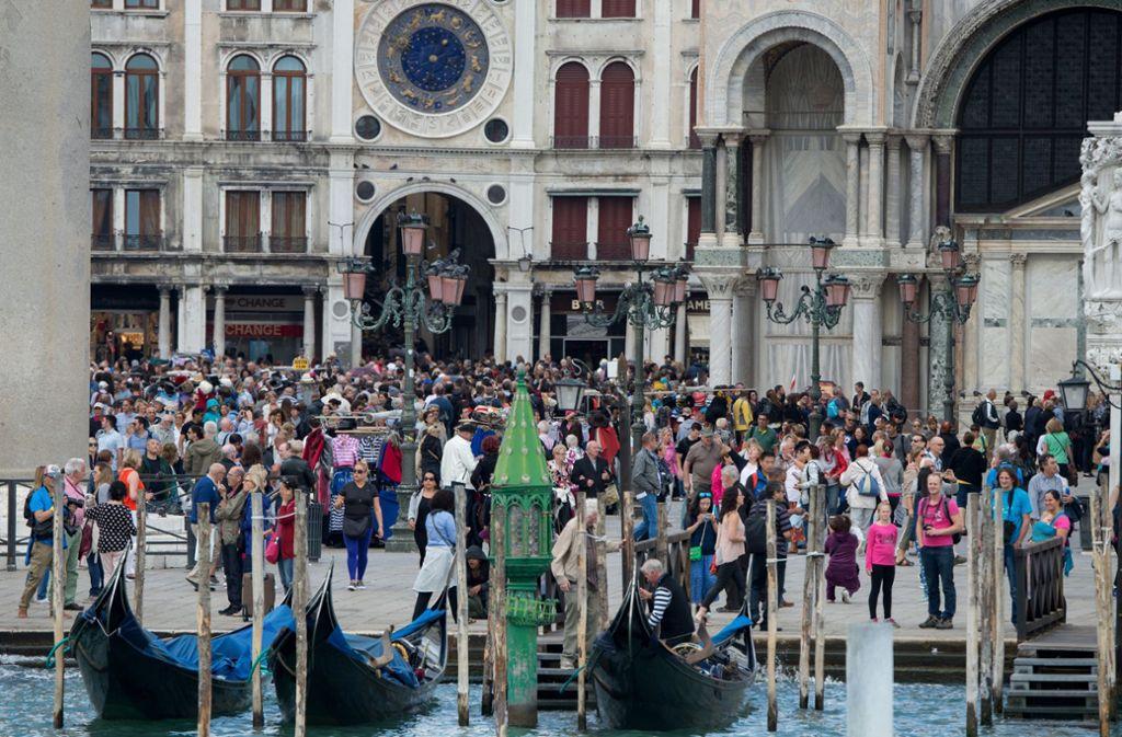 Venedig war jahrelang ein Hotpsot für Touristen aus aller Welt. Foto: dpa/Andrea Warnecke