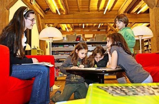 Bücher lassen E-Books um Meilen hinter sich