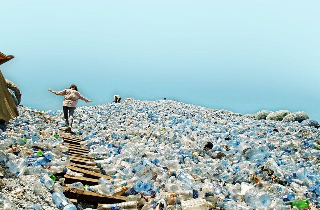 Auf den ersten Blick fast ästhetisch, auf den zweiten schrecklich: eine Müllhalde aus Plastikflaschen Foto: Naturvision