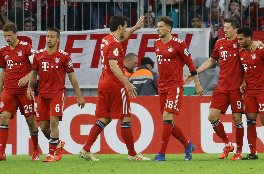 Erleichterung beim FC Bayern: Am Ende haben die Münchner mit dem 5:4 über Heidenheim die Blamage gerade noch abgewendet. Foto: Baumann
