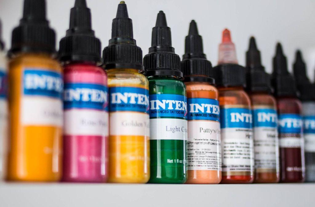 Grün und blau wird für die meisten Farben von Tattoos benötigt. Foto: imago/Reporters/Heline Vanbeselaere