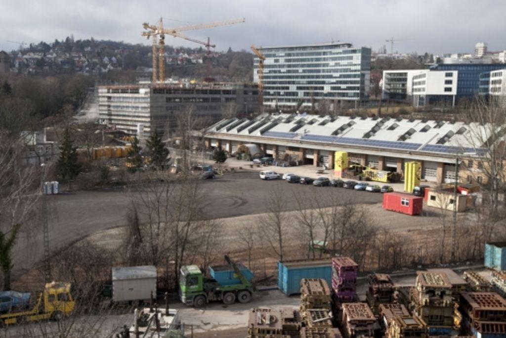 An den Wagenhallen sollen Wohnungen gebaut werden – oder aber die Duale Hochschule. Foto: Horst Rudel