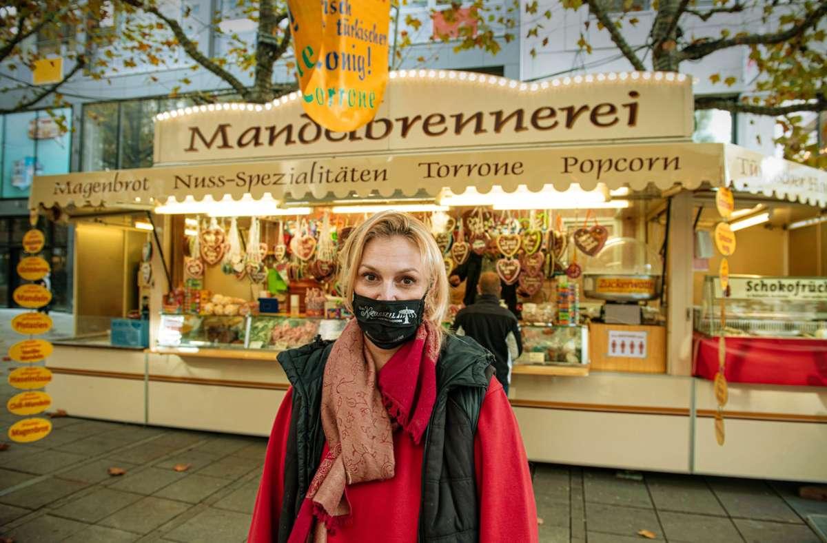 Melanie Weeber vor ihrem Stand auf der Königstraße. Foto: Lichtgut/Leif Piechowski