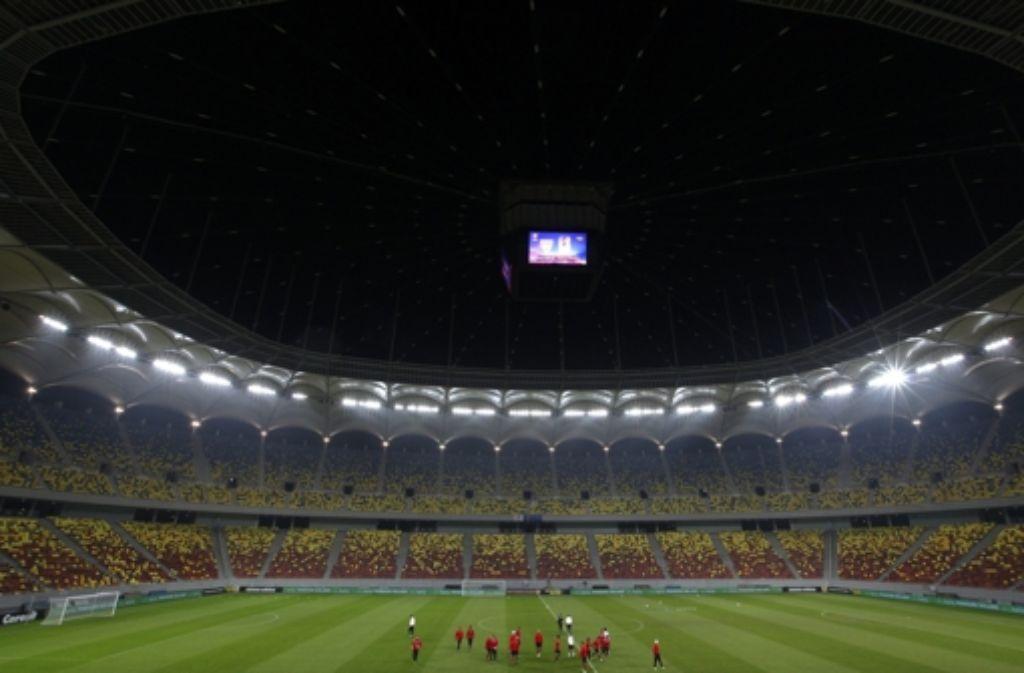 Letztes Training: der VfB gewöhnt sich an das Nationalstadion. Foto: dpa