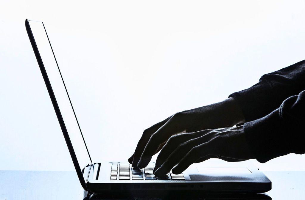 In Filderstadt beispielsweise gibt es noch Rechner, die nicht aufs neue Betriebssystem umgestellt sind. Foto: dpa/Silas Stein
