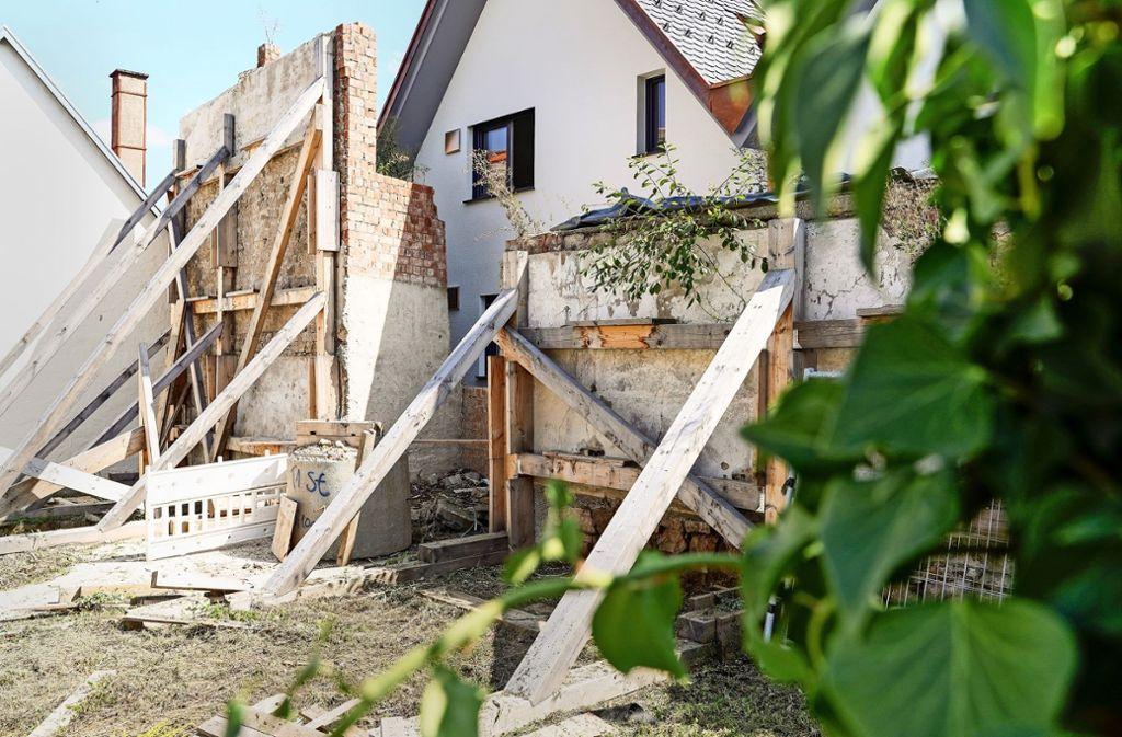 Wenn die Stadt die Lücke der Stadtmauer wieder schließen lässt, wird die Sanierung erheblich teurer. Foto: