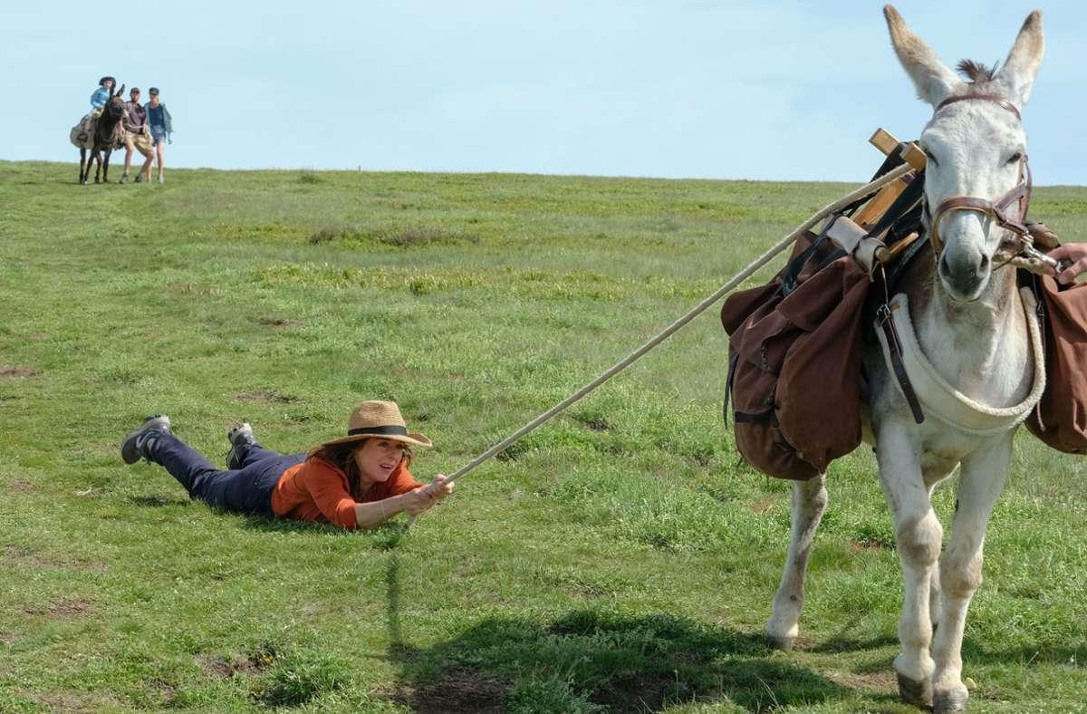 Antoinette (Laure Calamy) hat so ihre Schwierigkeiten mit dem Esel Patrick. Foto: Verleih