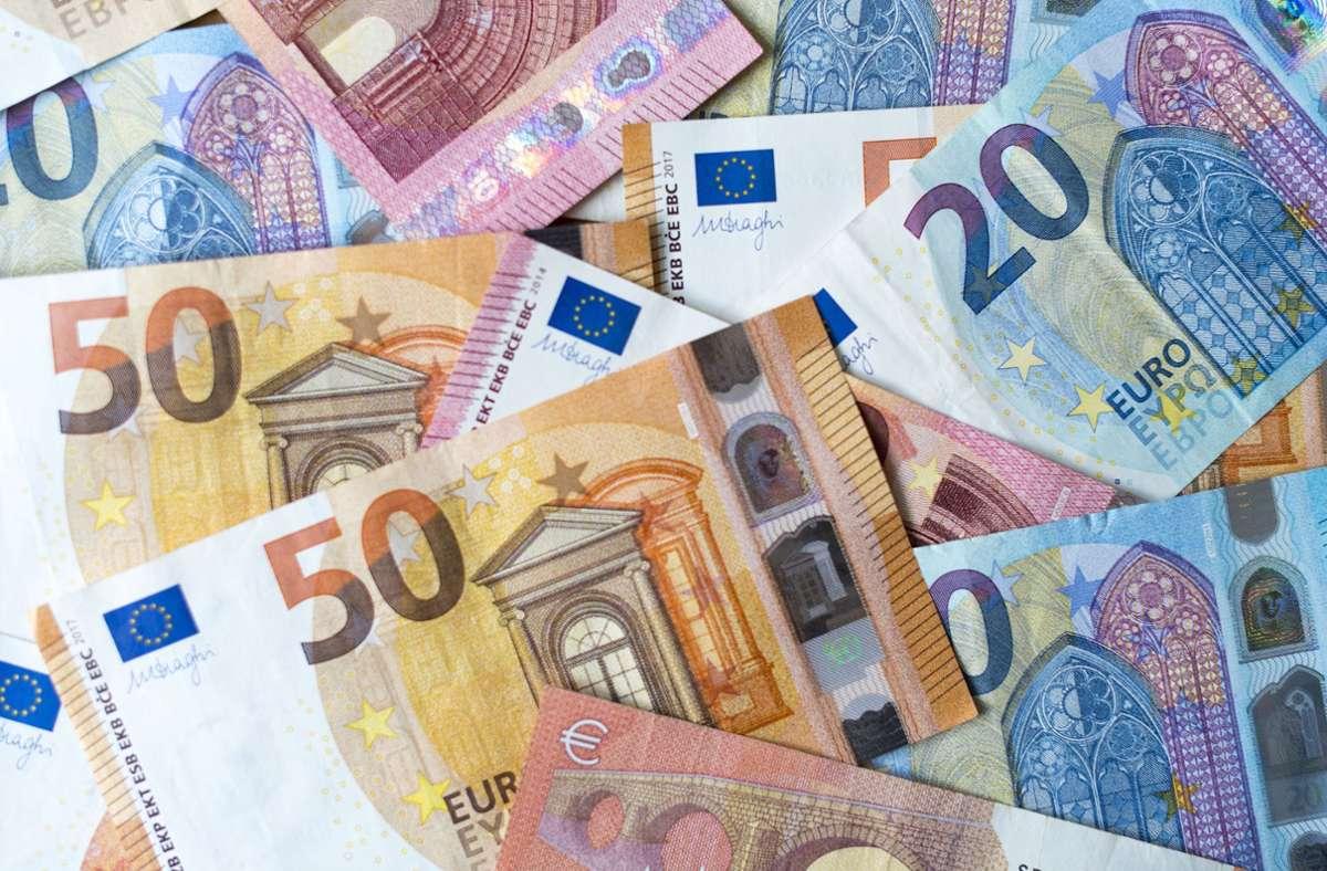 Für 2021 wird nun ein Rückgang um etwa 1,8 Milliarden Euro prognostiziert. Im Frühjahr ging die Steuerschätzung noch von circa 3,5 Milliarden Euro weniger aus. Foto: dpa/Monika Skolimowska